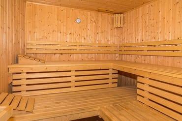 Im Haus befinden sich gegen Gebühr Sauna, ...