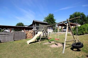 gemeinschaftlicher Spielplatz & Gartenbereich