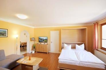 Wohnbereich (Bild4) mit komfortablem Schrankbett