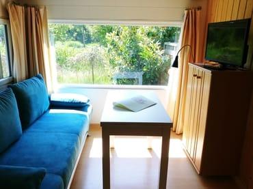 Wohnzimmer mit Aufbettung