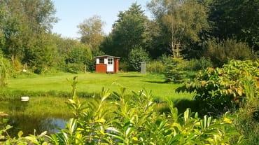 Relaxzone, Teich mit Bar, Parkanlage