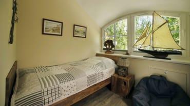 Schlafzimmer 3 mit 2 Einzelbetten im OG
