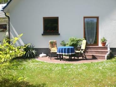 Ihre Terrasse - und hier in Ruhe mit einem guten Frühstück den Tag beginnen