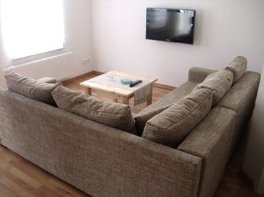 Couch mit Fernseher