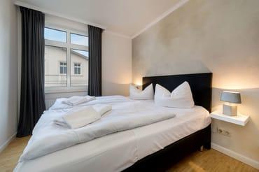 Das schöne Schlafzimmer hat ...