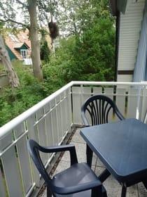 Balkon (Zugang aus Küche)