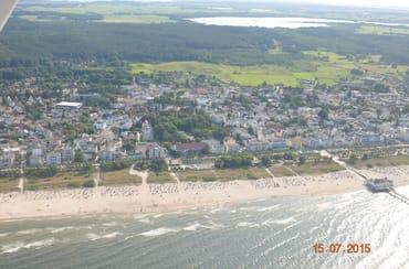 Blick aus der Luft auf das Seebad Ahlbeck.
