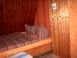 Schlafzimmer mit einem Doppelbett (1,80 x 2,00)