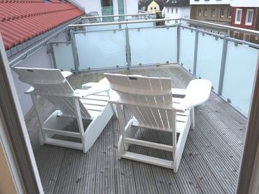Terrasse vor Schlafzimmer im Südwesten