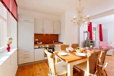 Das 3-Raum-Appartement Nr. 4 im 1. Obergeschoss der Villa San Remo mit separatem Eingang ...