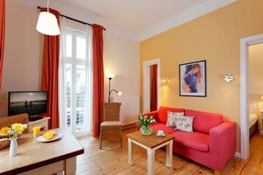 Das gemütliche und zugleich helle 2-Raum-Appartement Nr. 8  der Villa San Remo mit einer Größe von 38 m² befindet sich im 1. Obergeschoss und bietet ausreichend Platz für einen erholsamen Urlaub