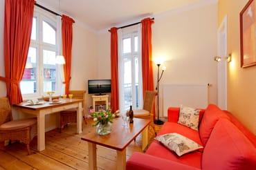 Das helle Zwei-Zimmer-Appartement liegt im 2. Obergeschoss der Villa San Remo und hat eine Größe von 38 Quadratmeter.