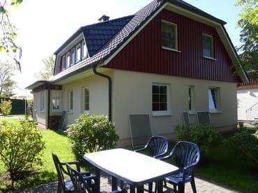 Sitzplatz und Gartenbereich OG-Wohnung