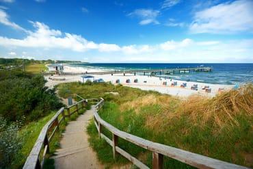 Weg zum Strand und zur Seebrücke in Rerik