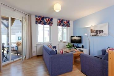 Das 3-Raum Appartement befindet sich im Ergeschoss / Souterrain der Ahlbecker Höhe in der Bergstraße 5 im Seebad Ahlbeck und ist mit seinen 57 Quadratmetern ...