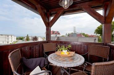 Vom Wohnbereich gelangen Sie auf Ihren Balkon ...
