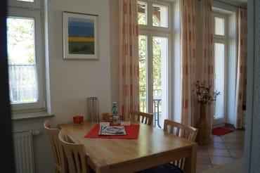 Schöne Sitzecke in Küchennähe