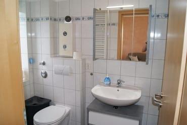 Das Duschbad mit Fenster. Hell und freundlich.