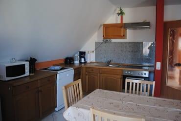 Küchenzeile mit Sitzecke