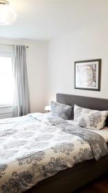 Erstes Schlafzimmer - hell und gemütlich