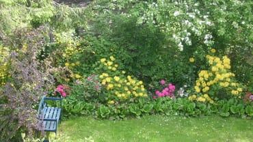 ...ein stilles Örtchen im romantischen Garten