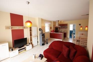 Wohnzimmer mit Echtholzkamin