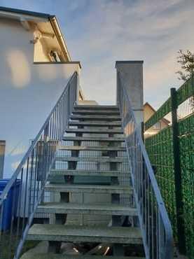 Ferienwohnung im OG - Treppenaufgang