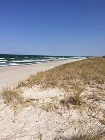 Sonne, Wind und feiner weißer Sand