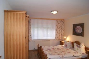große gemütliche Betten für erholsamen Schlaf nach einem erlebnisreichen Tag