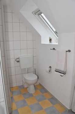 Bad mit Toilette
