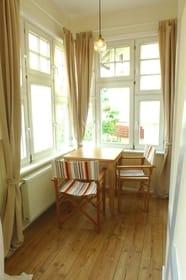Sitzplatz mit Meerblick