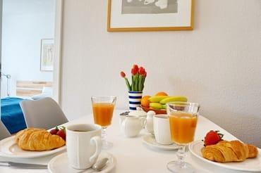 gemütlich frühstücken
