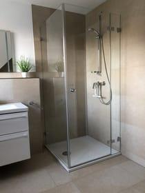 Bad im OG mit ebenerdiger Dusche