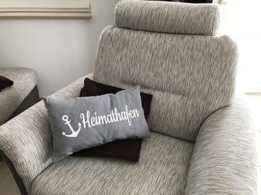 gemütlicher Sessel im Wohnbereich