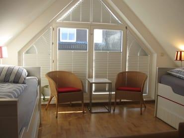 Studio im Obergeschoss der Maisonette-Ferienwohnung mit 4 Schlafplätzen
