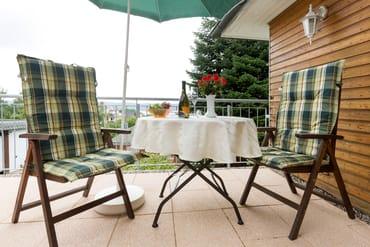 Die Ferienwohnung ist 31 m² groß. Hinzu kommt die Dachterrasse mit 12 m².