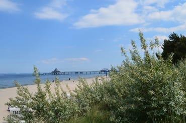 Umgebung - Blick zur 508m langen Heringsdorfer Seebrücke und den Strand