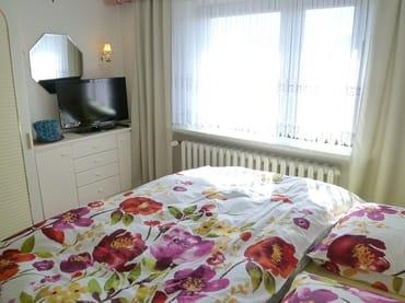 Zusätzlicher Fernseher im Schlafzimmer