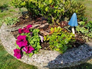 Der Garten weist zahlreiche schöne Datails auf