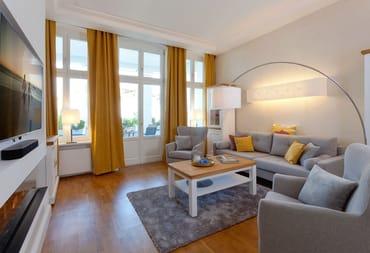 Auf 65 Quadratmetern begrüßen wir Sie in dem 2-Raum-Appartement im Hochparterre der Villa Pia Marie im modernen und gemütlichen Landhausstil zu sonnigen und erholsamen Urlaubstagen.