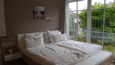 Schlafzimmer mit 1,80m Doppelbett (Premium..)