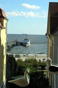 Blick auf Seebrücke und Strand vom SZ -Fenster