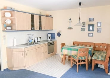 Die Küche mit Essecke