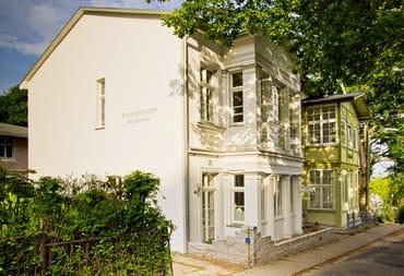 Villa Cornelia und Talblick