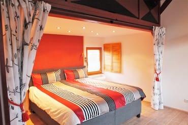 1. Schlafzimmer Boxspringbett im Alkoven
