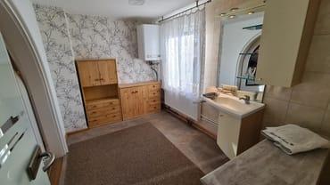 Bad mit separater Dusche und WC