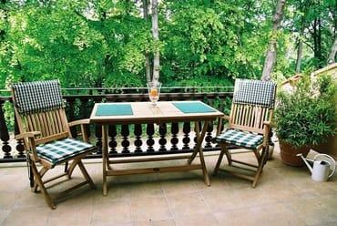 Balkon mit Teak-Möbeln (für 4 Personen)