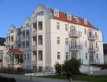 Sonniger Balkon auf der Westseite mit Meerblick