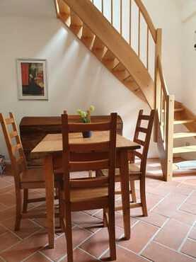 Treppenaufgang aus der Küche