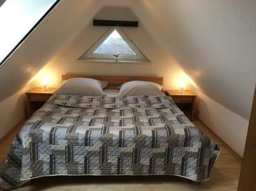 Schlafzimmer 1 im oberen Bereich